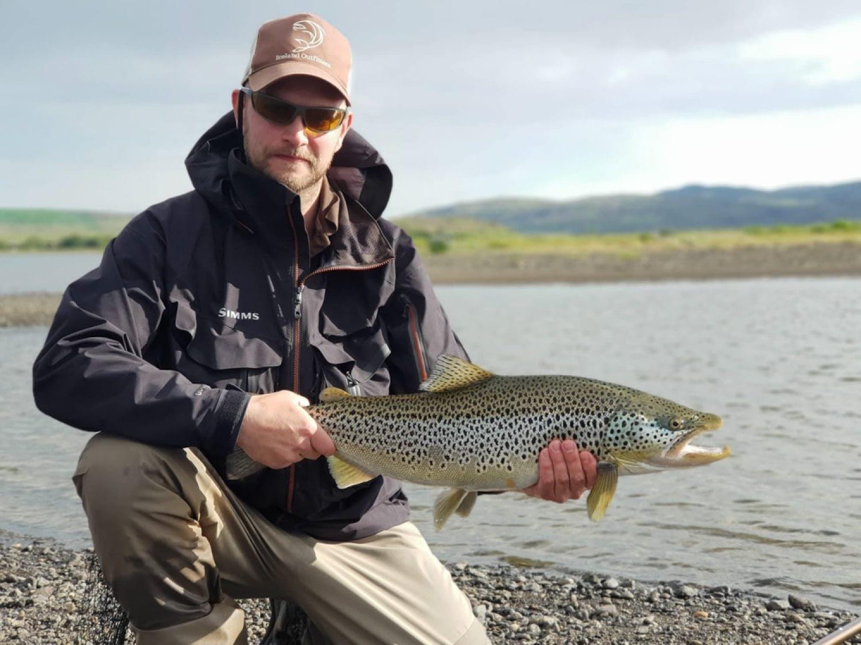 Icelandoutfitters.com - Staff Arnar - guide